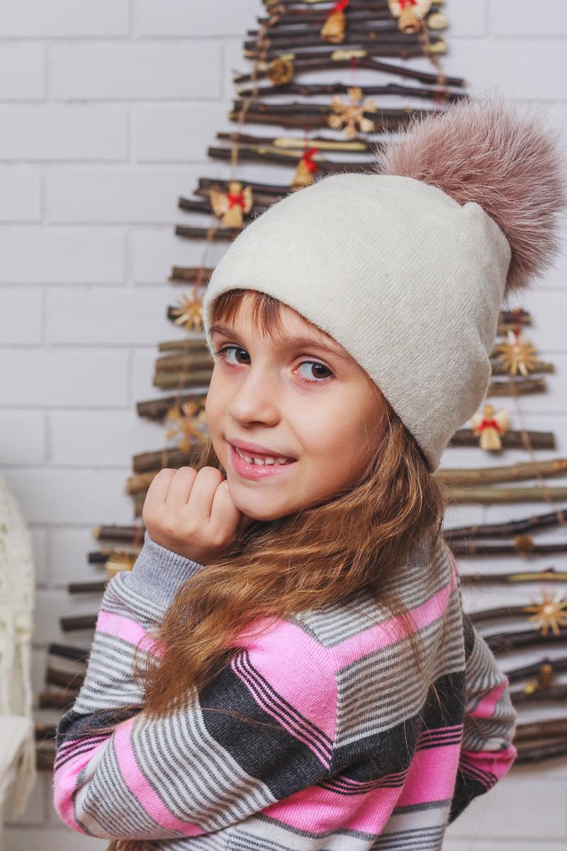 Шапка для девочки зимняя с бубоном