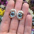 Серебряный комплект кольцо и серьги с золотом и голубыми камнями 34086-34087, фото 6