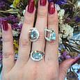 Серебряный комплект кольцо и серьги с золотом и голубыми камнями 34086-34087, фото 3