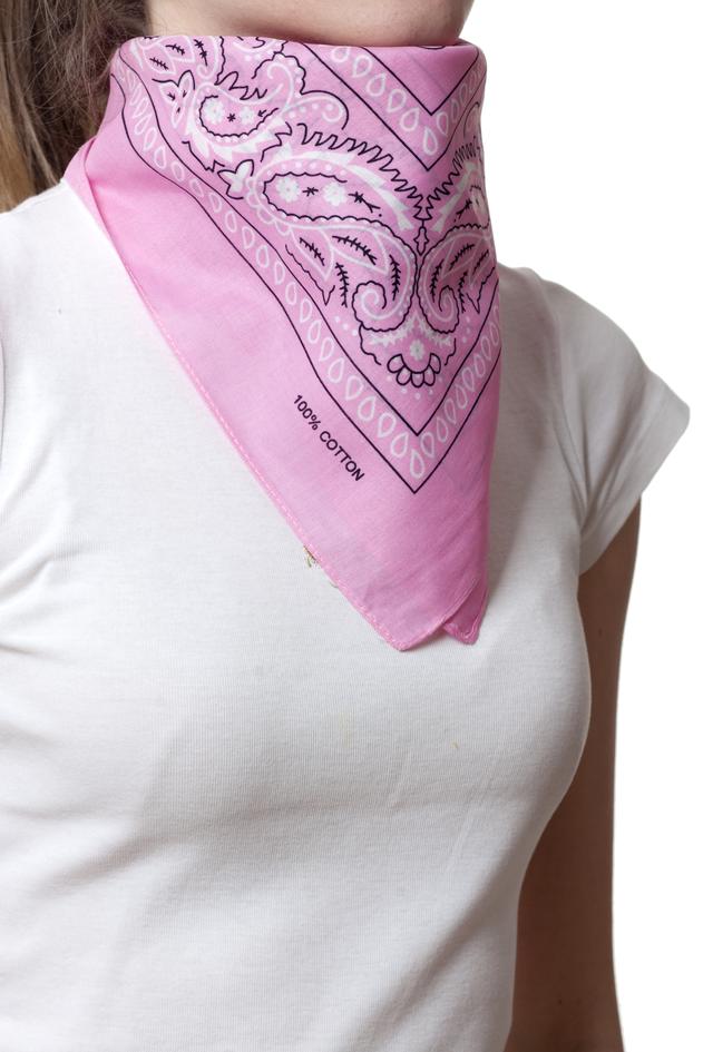 Бандана класическая розовая 2