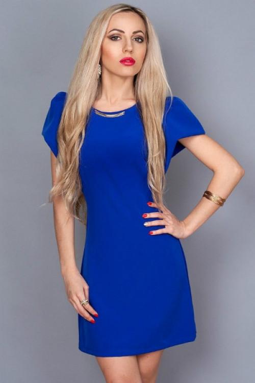 Красивое молодежное платье украшено фурнитурой на горловине, 44,46,48