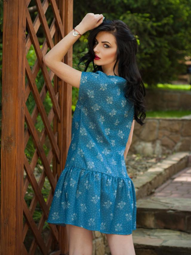 Легкое джинсовое летнее платье