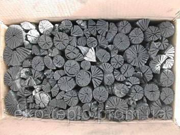 Украина. Горючий древесный уголь