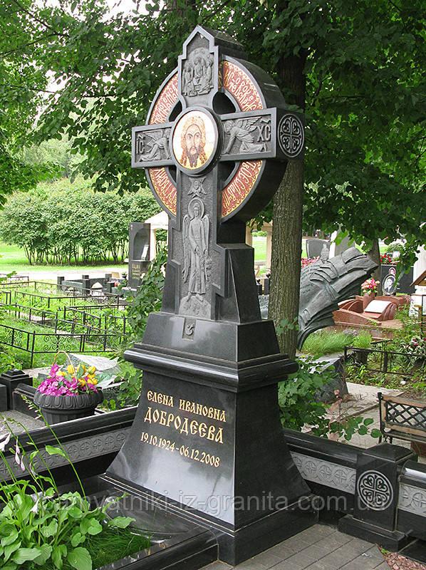 Крест из гранита № 20