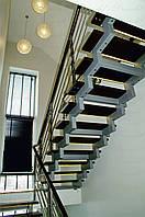 Каркас лестницы на зубчатом косоуре