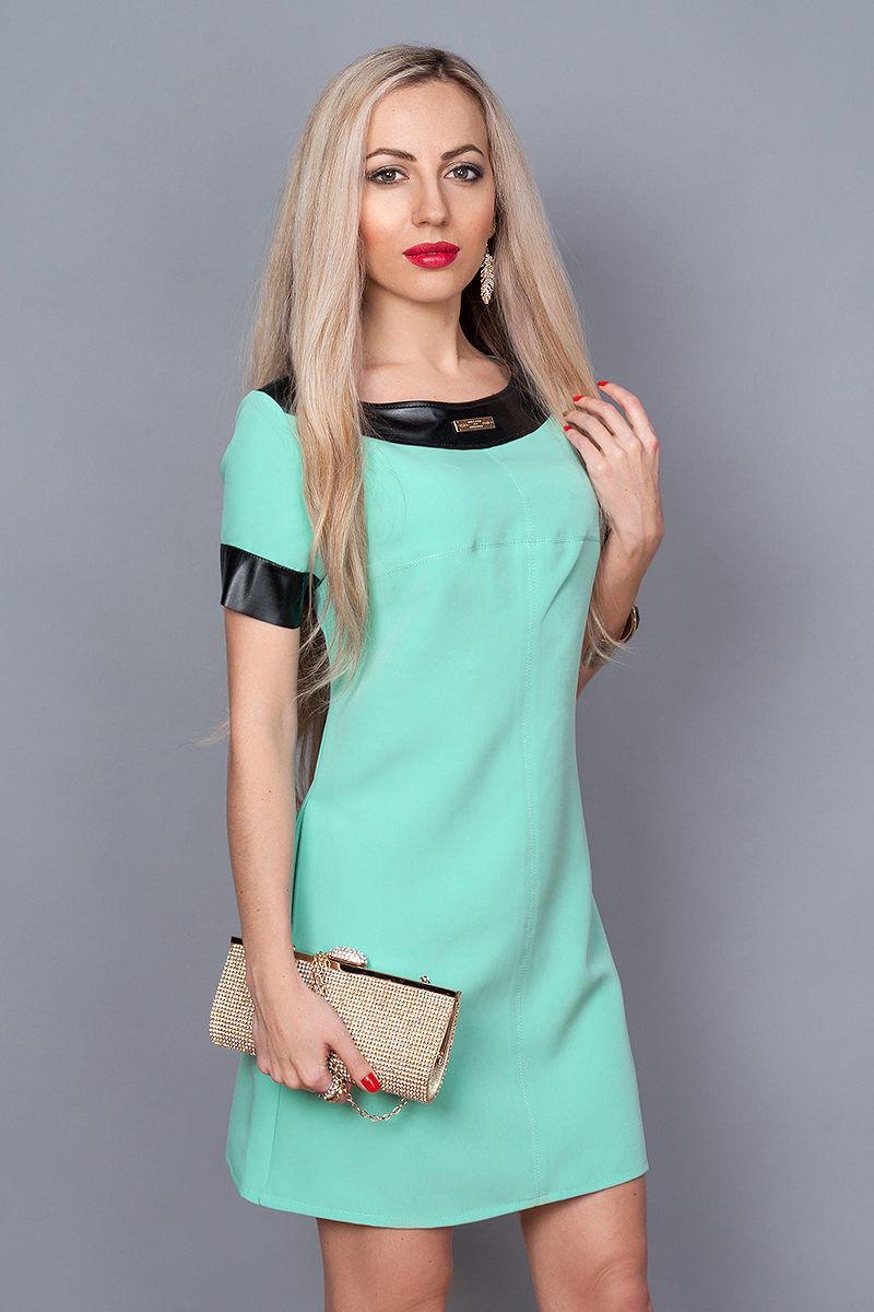 Нарядное интересное молодежное летнее платье, декорированное вставками кожи.