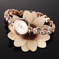 Классические женские часы с металлическим ( браслетом) ремешком