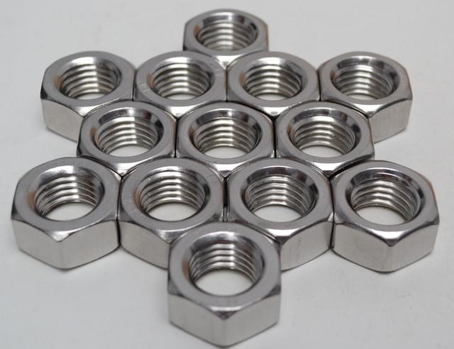 Гайки шестигранные из нержавеющих сталей ГОСТ 5915-70, ГОСТ 5927-70, DIN 934   Фотографии принадлежат предприятию Крепсила