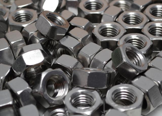 Гайки шестигранные из нержавеющих сталей ГОСТ 5915-70, ГОСТ 5927-70, DIN 934 | Фотографии принадлежат предприятию Крепсила