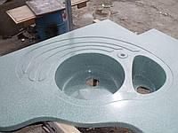 Столешница кухонная с угловой мойкой из камня