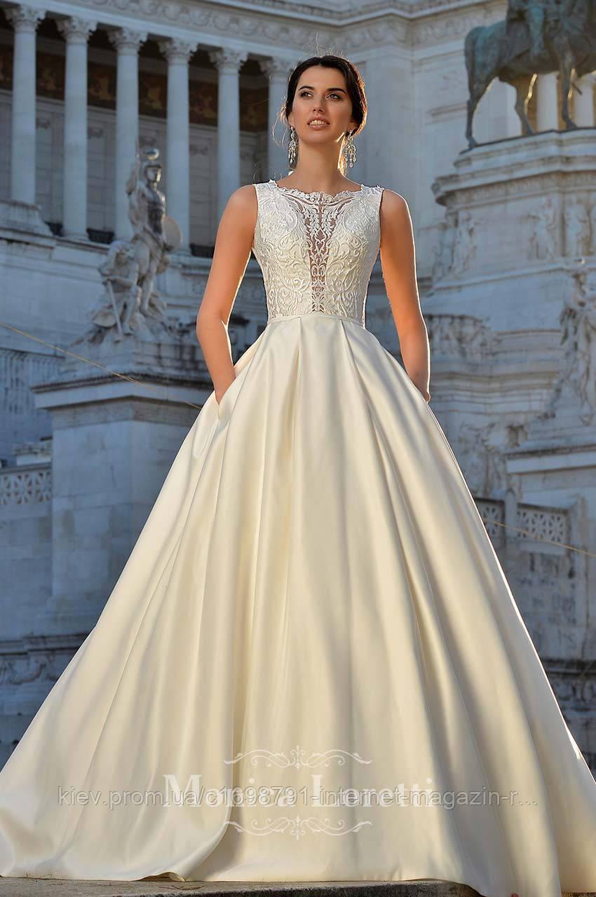 Платье свадебное с кружевной юбкой