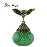 Колье ожерелье зеленый камень