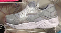 Женские кроссовки хуарачи Nike huarache светлые