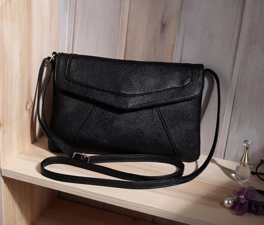 Жіноча сумка клатч конверт чорного кольору