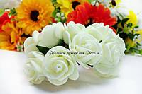 Розы из латекса молочного цвета на стебле 2-2.5см