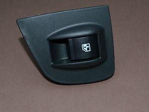 Кнопка стеклоподъемника правая Fiat Doblo 2005-