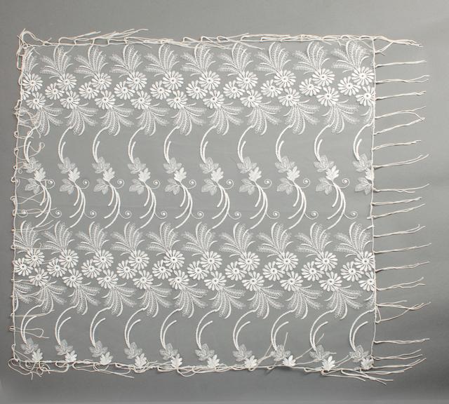 Свадебный платок бежевый 2
