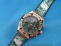 Часы Hublot Big Bang Boa Bang 113894 рептилия женские календарь золотистые на зеленом каучуковом ремешке