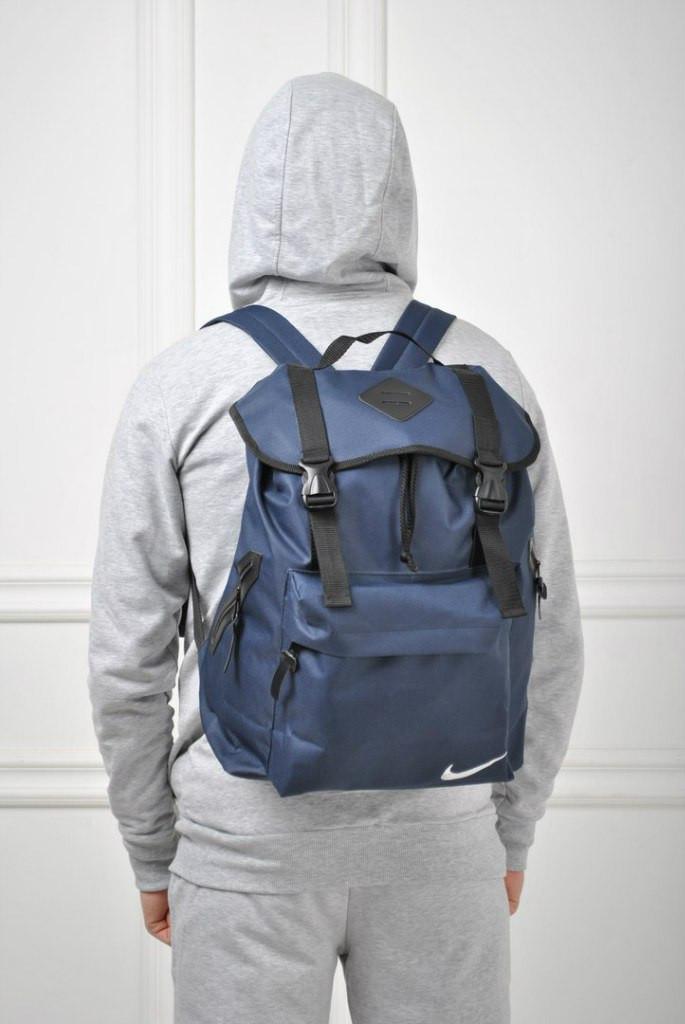 Удобный рюкзак Nike