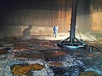 Зачмстка резервуаров стальных вертикальных : РВС 100 -- РВС 10 000 куб. м. при помощи специального оборудовани