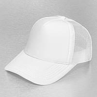 Белая кепка тракер