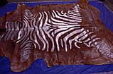 Современная неординарная коричневая шкура коровы на пол с рисунком зебры, фото 4