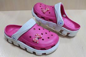 Детские кроксы прекрасная идея пляжной обуви.