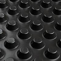 Шиповидная мембрана ИЗОСТУД 600 г/м2 для защиты стен фундаментов, гидроизоляции, дренажа