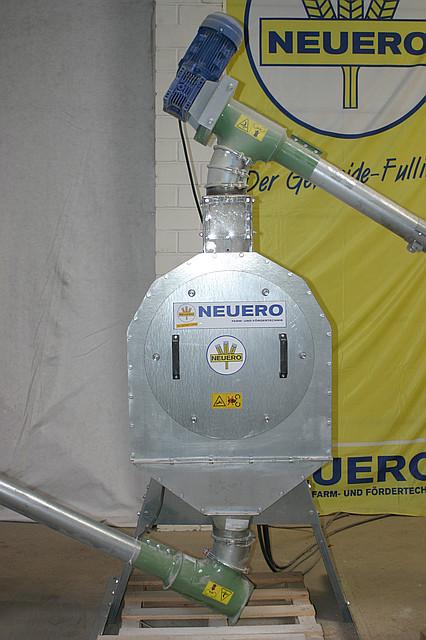 Молотковая зернодробилка RVO 352 производительность до 1,5 т/час