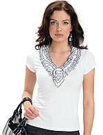 Женская летняя блуза из вискозы черного цвета.