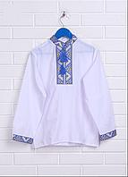 Детская вышиванка на мальчика белая с голубым орнаментом, вышивка крестиком, машинная