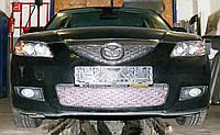 Декоративно-защитная сетка радиатора Mazda 3 (BK) 2003-  фальшрадиаторная решетка, бампер