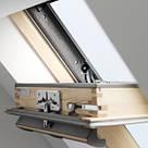 Мансардное окно GGL 2066, ручка сверху, дерево/біле покриття, фото 2