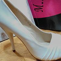 Туфли свадебные белые (кожзам),разм-38,39;(36-брак-уценка)