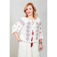 Нарядная белая блуза из легкого хлопка украшена красным вышитым орнаментом