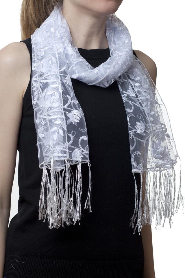 Свадебный шарф белый тюльпанчик 1