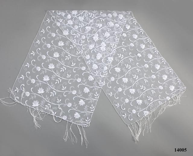Свадебный шарф белый тюльпанчик 2