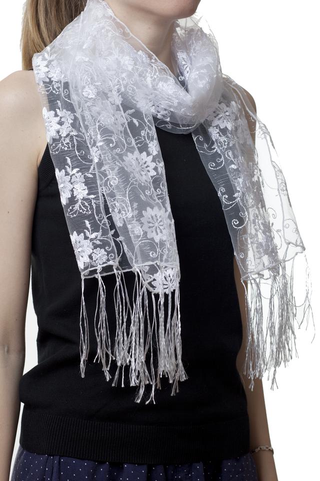 Свадебный шарф белый красотка 1