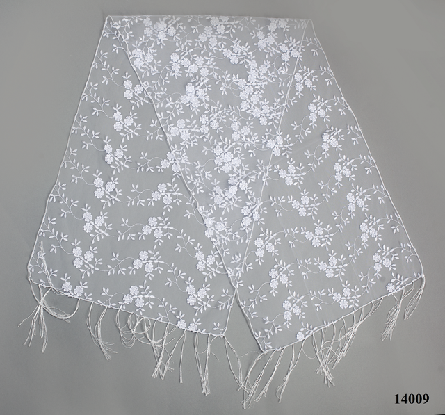 Свадебный шарф белый бутончик 2