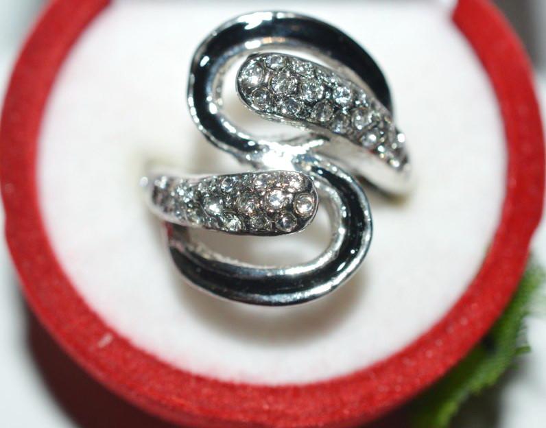 Кольцо на руку, белый металл, белые стразы 23_5_4a8