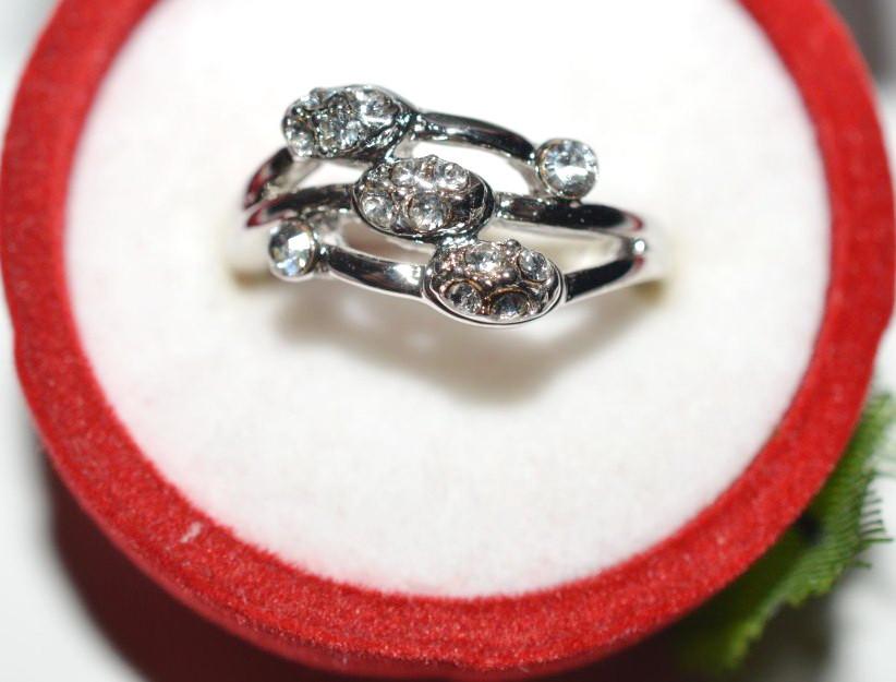 Кольцо на руку, белый металл, белые стразы 23_5_4a15