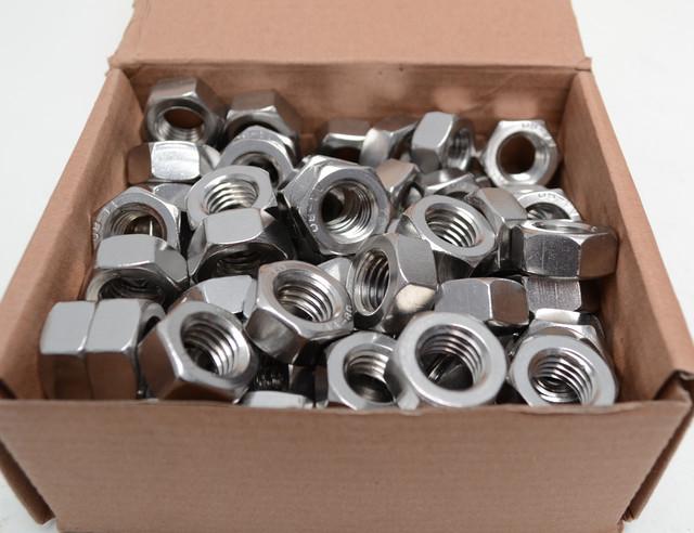 Гайки шестигранные из нержавеющих сталей А2 и А4 ГОСТ 5915-70, ГОСТ 5927-70, DIN 934   Фотографии принадлежат предприятию Крепсила