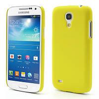 Чехол пластиковый матовый на Samsung Galaxy S4 mini I9190, желтый