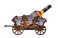 """Деревянная подставка для бутылки """"Телега"""" с комплектом рюмок (51108420)."""
