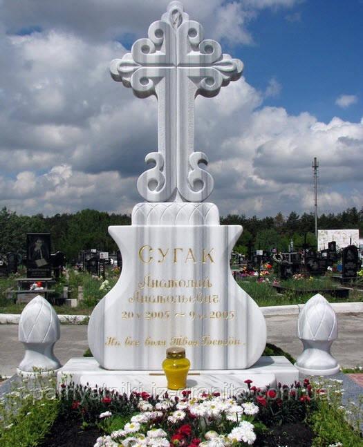 Крест из мрамора № 40