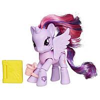 My Little Pony Твайлайт Спаркл собирается в кафе пони с артикуляцией Friendship is Magic Princess Twilight Sparkle Reading Cafe