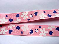 Лента репсовая с рисунком. Цветы и сердечки на розовом фоне. 25 мм