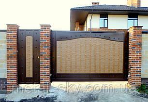 Ворота жатые металлические двухцветные