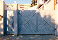 """Ворота кованные с жатым эффектом """"Мальта"""" светло серые"""