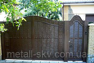 Ворота жатые металлические распашные